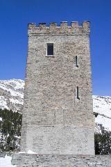 Turm Belvédère bij Maloja