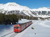 Regionale trein op weg naar Pontresina