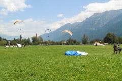Parachutisten in Interlaken