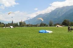 Parachutisten in Interlaken