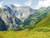 Trein naar Wengen vanaf Kleine Scheidegg