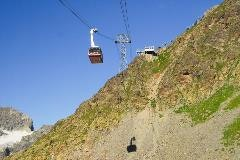 Cable car to Piz Nair