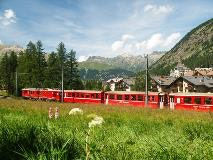 Train near Pontresina