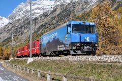 Trein naar het Engadin in Val Bever