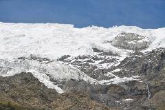 Sneeuw op de bergen rond Zermatt