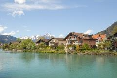 Chalets along the Aare