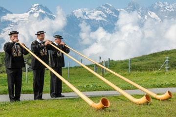Alpine horn blowers at the Männlichen