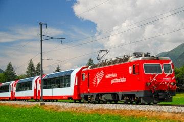 Glacier Express bei Oberwald