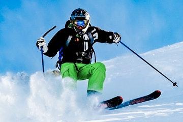 Skifahrer Pulverschnee