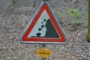 Waarschuwing voor vallende rotsen in Cholerenschlucht
