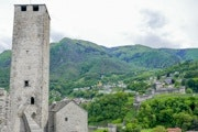 Town walk Bellinzona with three castles