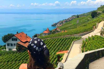Small group walking tour in the Lavaux vineyards from Vevey