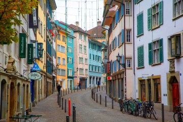 2-hour Zurich walking tour with a private guide