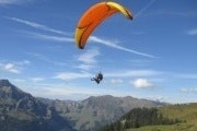 Paragliding tandem flight in the Lake Lucerne region