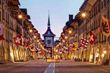 Small-group walking tour of Bern
