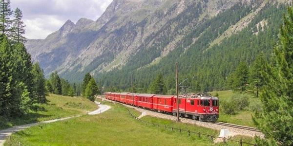 Train in Val Bever