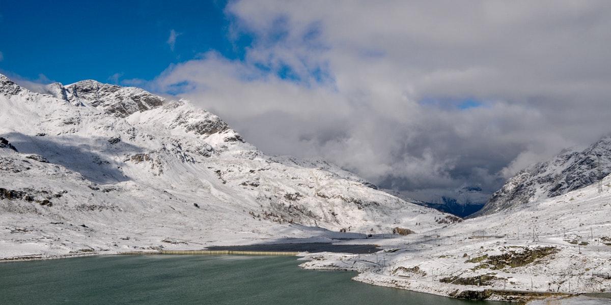 Lago Bianco in winter