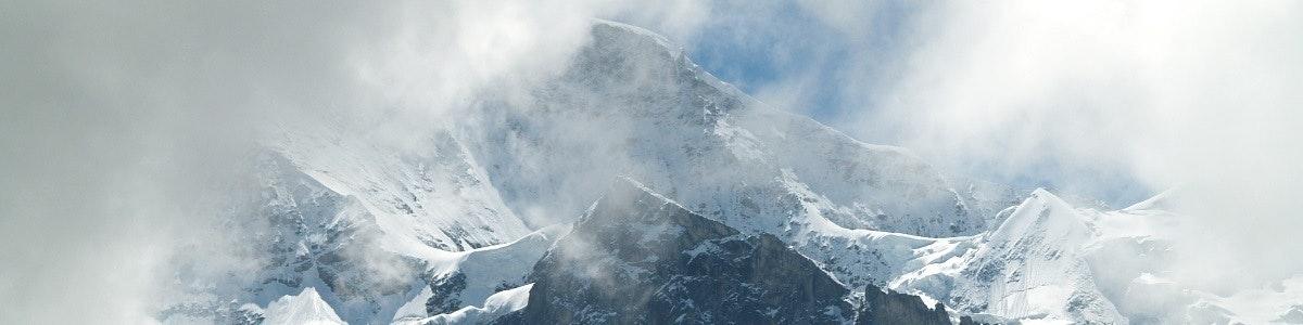 Wolken rond de Jungfrau