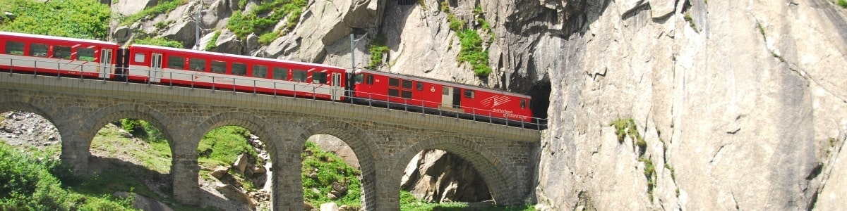 Train in Schöllenen gorge