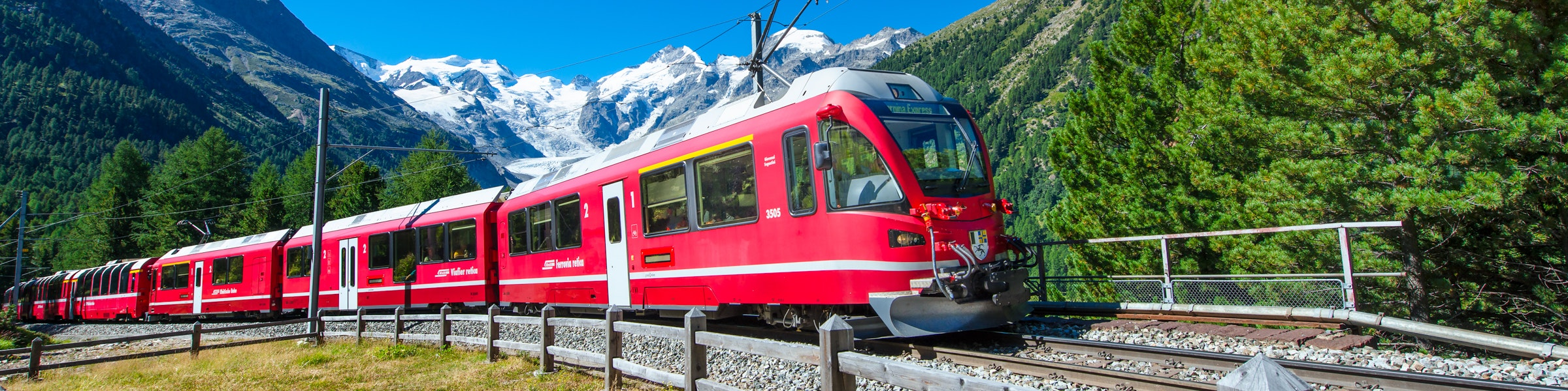 Bernina Express in Morteratsch