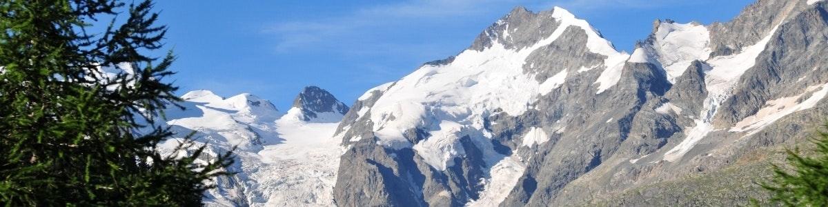 Piz Bernina vanuit Bernina Express
