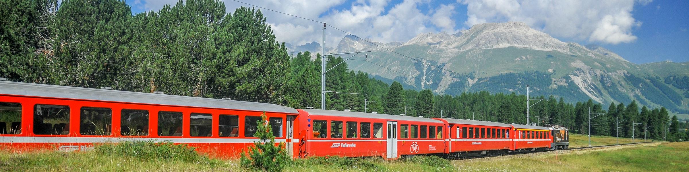 Train in Bever Valley