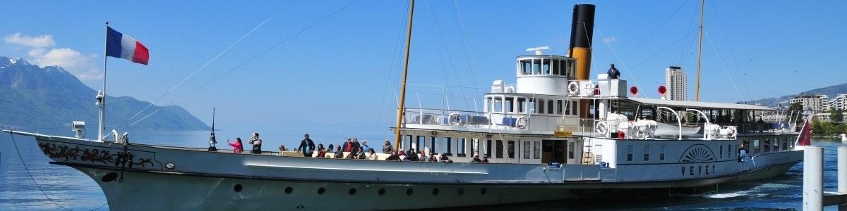 Boot op Meer van Genève bij Territet