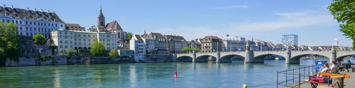 Zicht op Basel en Rijn